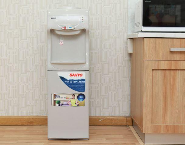 Cây nước nóng lạnh Sanyo