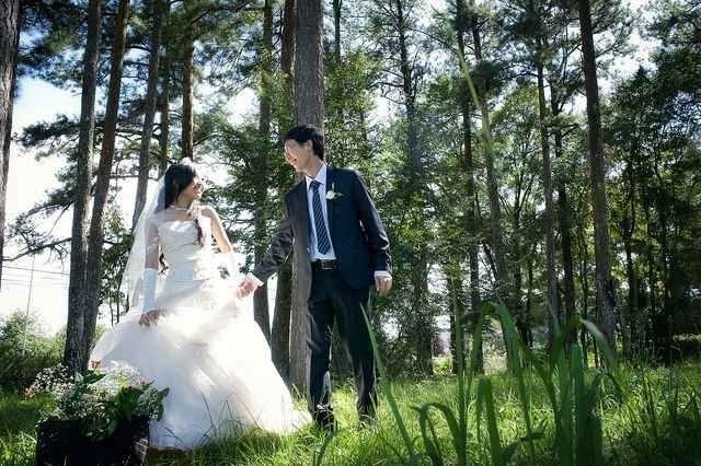 chụp ảnh cưới ở rừng thông bản áng