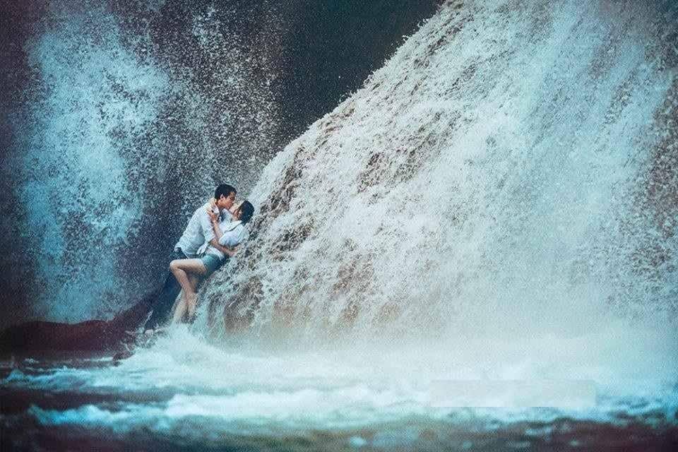 chụp ảnh cưới ở thác dải yếm