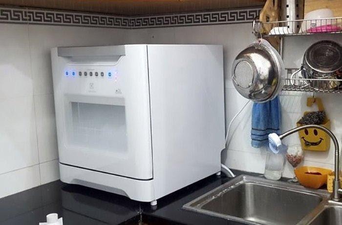 máy rửa bát electrolux