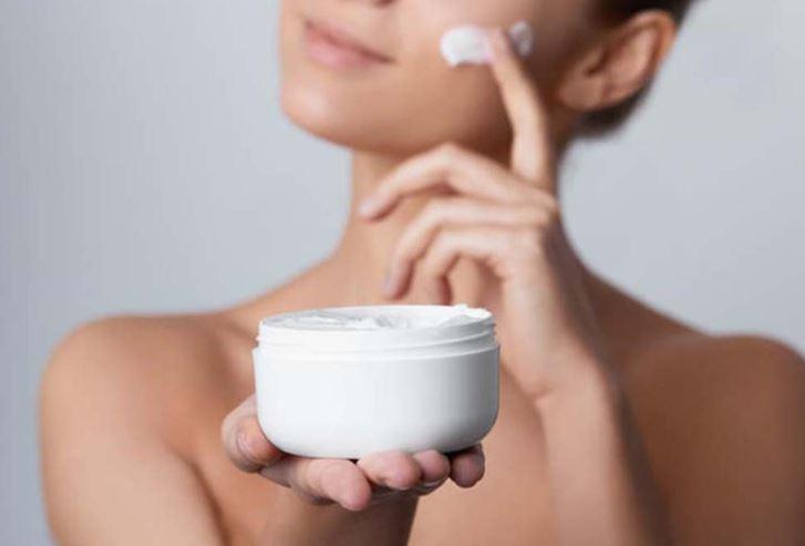 kem dưỡng ẩm cho da mụn 1